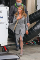 Los Angeles, CA - *EXCLUSIVE* - Hollywood A-listers Jennifer Aniston e Reese Witherspoon sul set di
